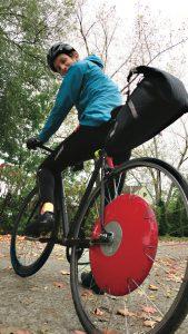 Martine Bertrand et sa roue Copenhagen