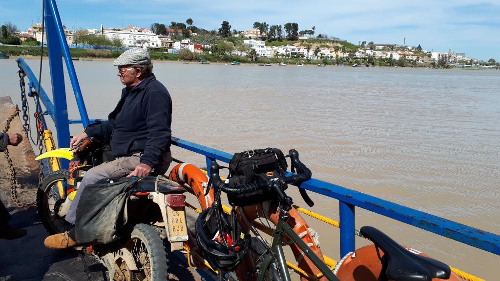 La traversée du Guadalquivir en ferry