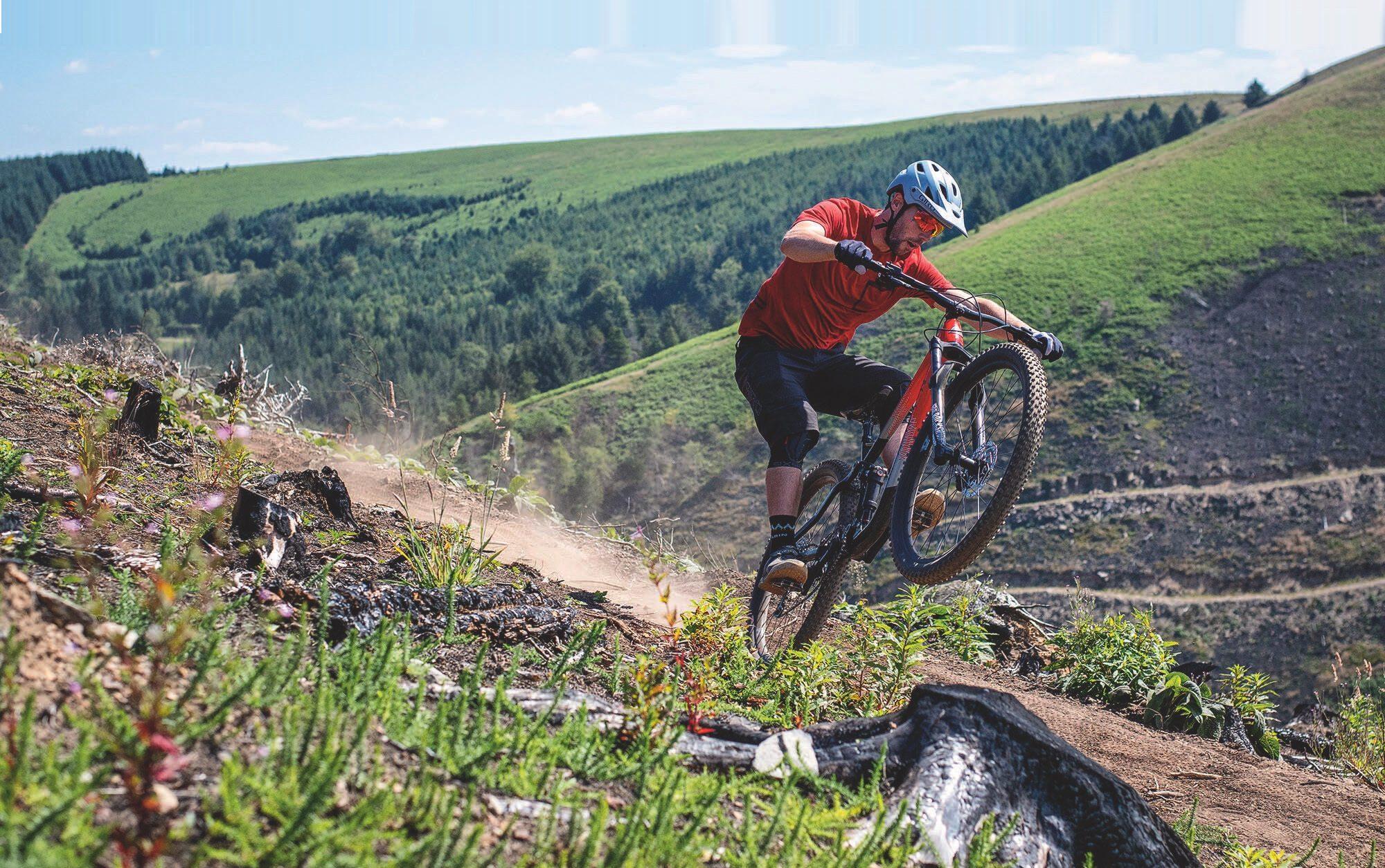 Mode sentiers vélo de montagne